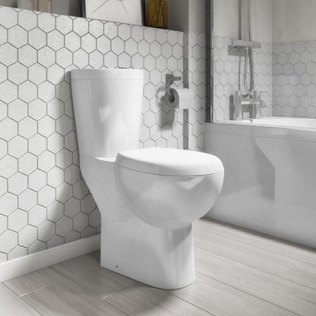 Comfort Height Close Coupled Toilet with Soft Close Toilet Seat