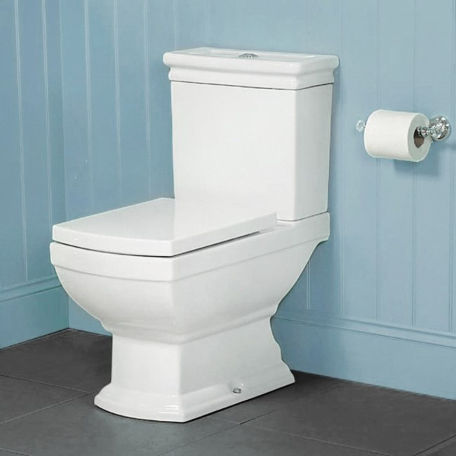 Line Traditional Close Coupled Toilet with Soft Close Seat