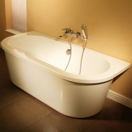 Dee 1685 x 780 Freestanding Bath with Surround