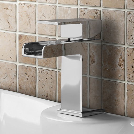 Tabor™ 1700 Shower Bath & 460mm Two Piece Suite with Quadra Taps