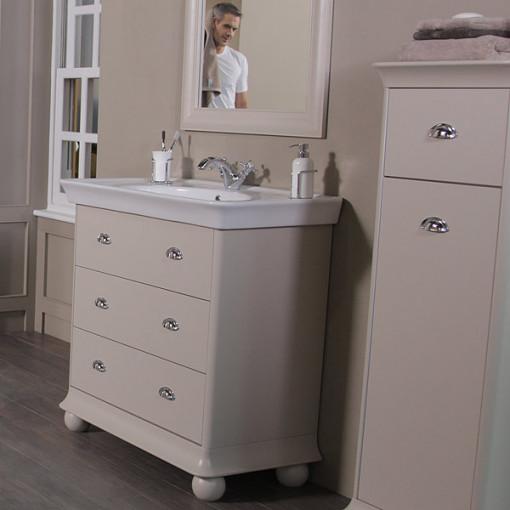 1570 Park Royal™ Valencia Bathroom Suite