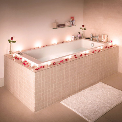 Carona 1700 Whirlpool Bath Suite