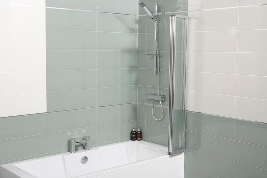 Straight Top 4 Fold Bath Shower Screen