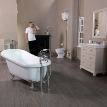 1570 Park Royal™ Valencia Bathroom Suite
