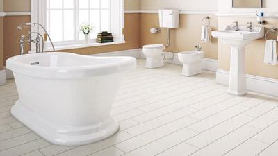 Park Royal Slipper Bath with Low Level Toilet Complete Suite