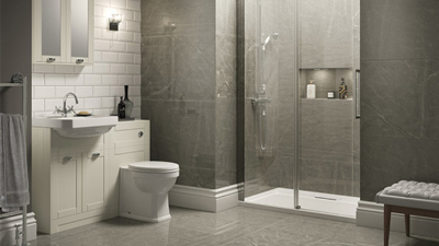 Traditional Ivory Park Royal Suite with Shower Door & Single Tap Hole Basin